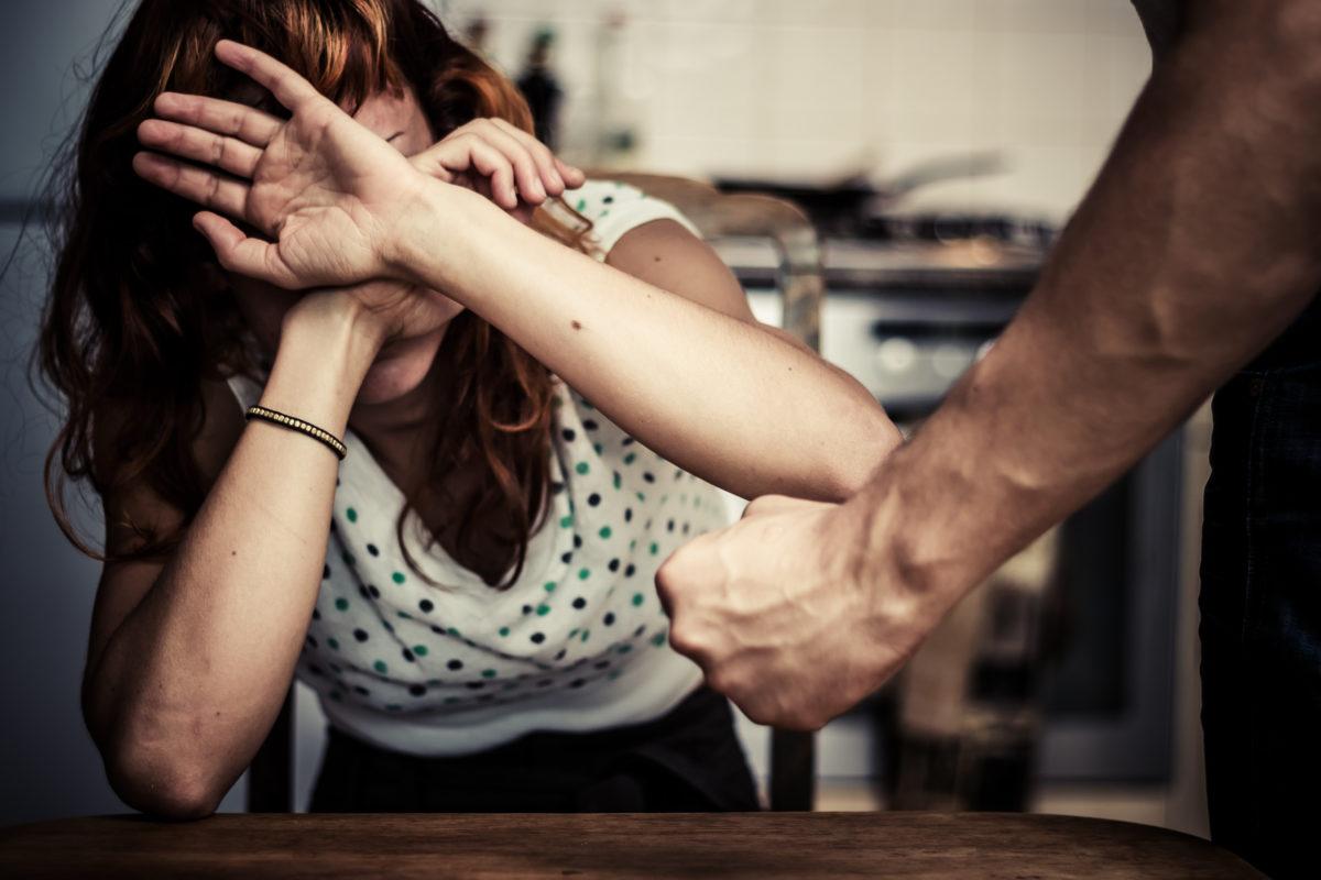El rol del Gobierno frente a la violencia contra la mujer en un Estado de Derecho