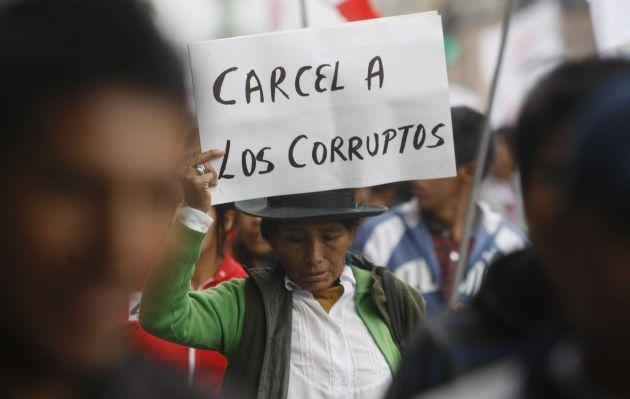 ¿Muerte civil, imprescriptibilidad de delitos y recompensas contra la Corrupción?